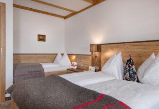 Schlafzimmer/sleeping room (triple room)