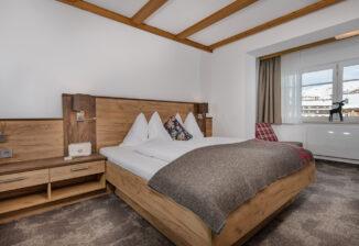 Schlafzimmer (3-Bettzimmer), sleeping room (triple room)
